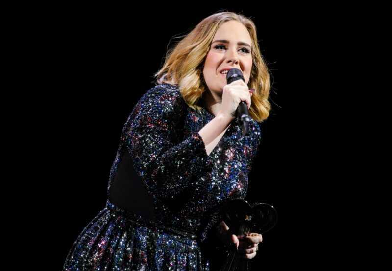 Adele berättar fans att hon aldrig kan tour igen