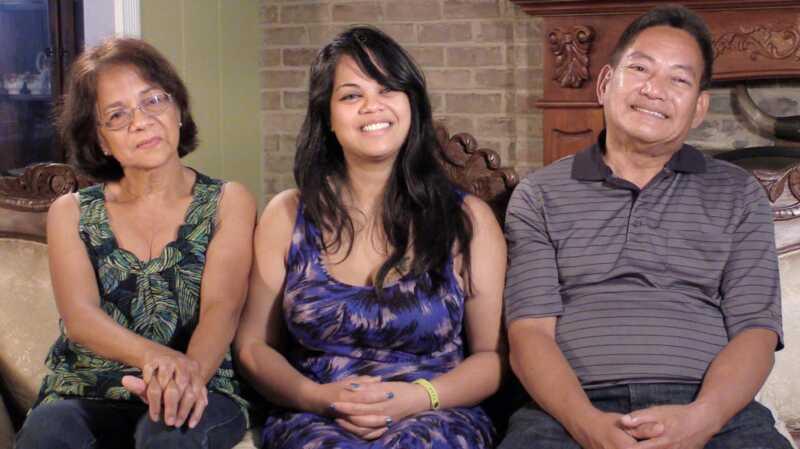 Abikaasad ema ja isa tähed annavad vanematele oma armulauda