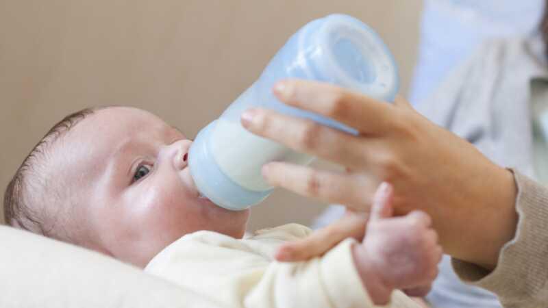 Du kan donera bröstmjölk till mammor drabbade av orkanen Harvey - men ska du?