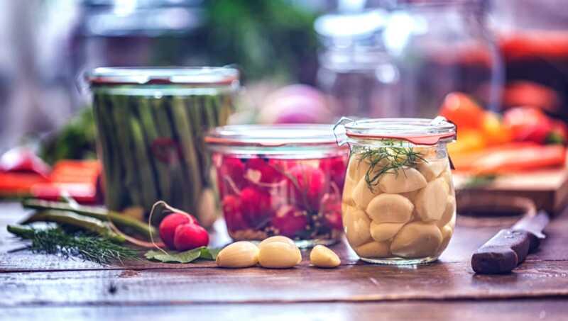 20 lahodných spôsobov ako nakladať iné potraviny ako uhorky