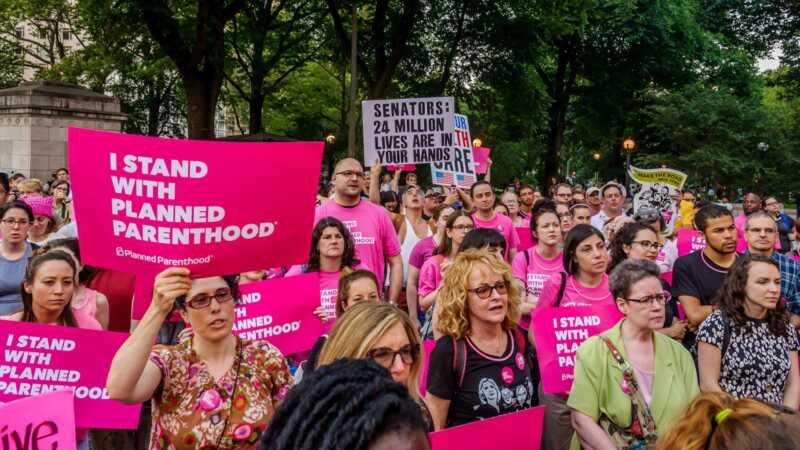 Správa trump uľahčuje zamestnávateľom odmietnutie antikoncepcie
