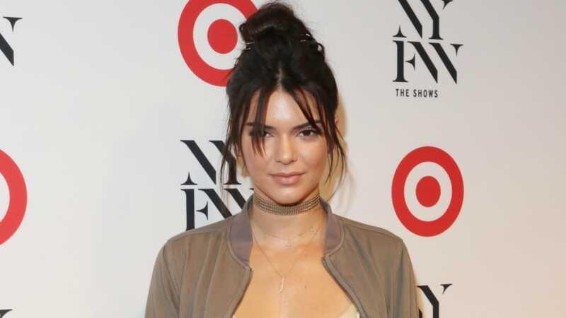 Fyi, Kendall Jenner nije postao Kylijev klon sa novim injekcijama usana