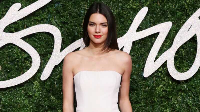 Ar gali pepsi komerciškai sugadinti Kendall Jenner karjerą?