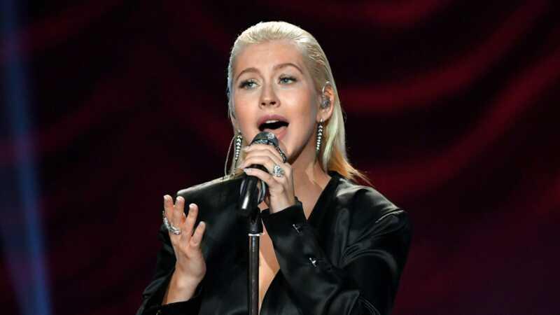 Christina Aguilera strādā ar kaut ko jaunu ar kolēģi bijušo Disneja zvaigzni