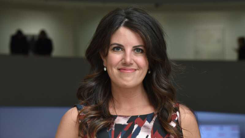 Monica lewinskys anti-mobbing PSA viser konsekvenser av online kommentarer IRL
