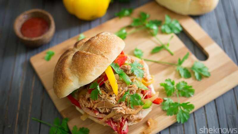 Lättdragna kyckling Fajita smörgåsar gjorda i långsam spis? Ja tack!