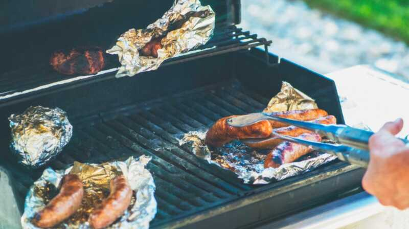 Alumiinifoliota ja 5 muuta yhteistä keittiötä, jotka ovat myrkyllisiä, kun niitä käytetään kokkaamisessa
