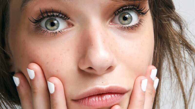 Έκπληξη: Τα μαντηλάκια μακιγιάζ είναι στην πραγματικότητα πολύ κακά για το δέρμα σας