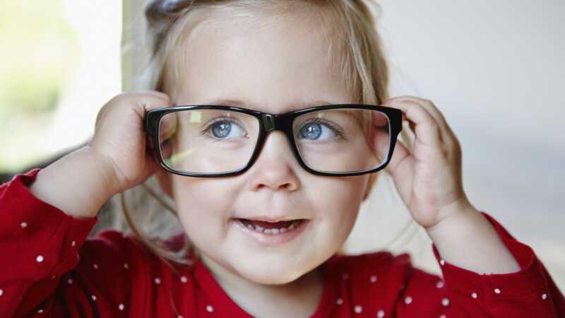 5 subtila ledtrådar kan din småbarn behöva glasögon