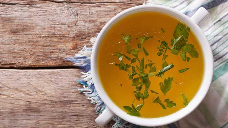 Буквално сè што некогаш сте сакале да знаете за коска супа