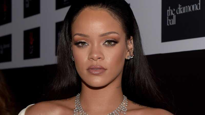 Rihannas viedoklis par transseksuālo modeļu izlikšanu ir sadalījis internetu