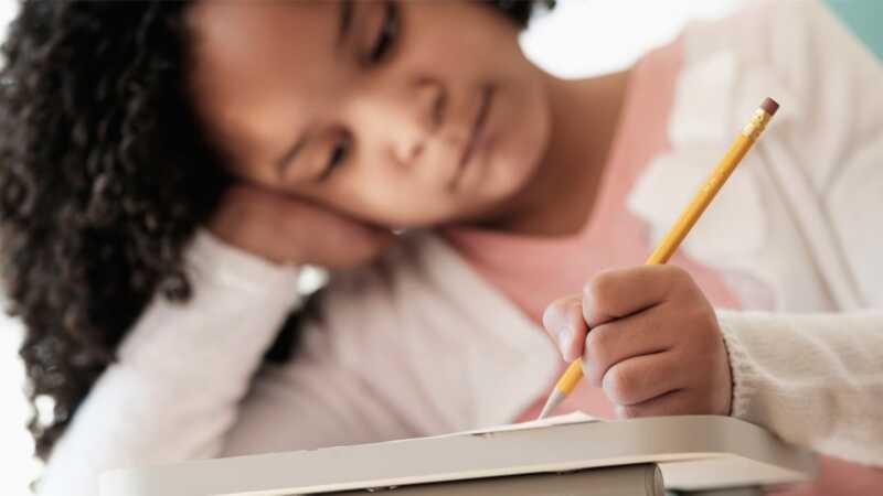 Paano matutulungan ang iyong anak sa pamamagitan ng pag-aalsa ng midyear school