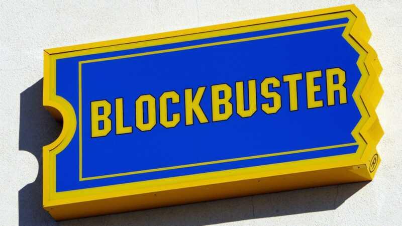 Lumilikha ang isang pamilya ng video store na blockbuster sa kanilang tahanan para sa autistic na anak