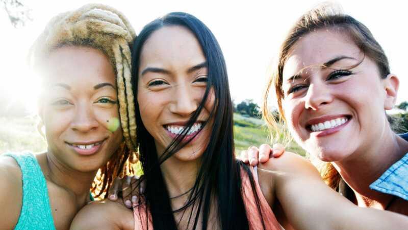 Hvorfor bruger folk udtrykene womyn og womxn i stedet for kvinder?