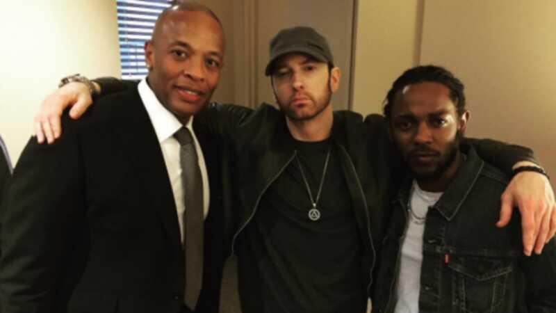 Eminem pēc pirmā acu uzmetiena nav nosakāms pēc vīriešu bārda audzēšanas