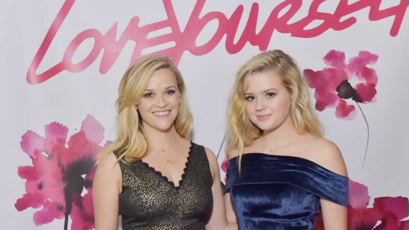 Reese anderson and Ava phillippe su blizanci u prvom zajedničkom modelu