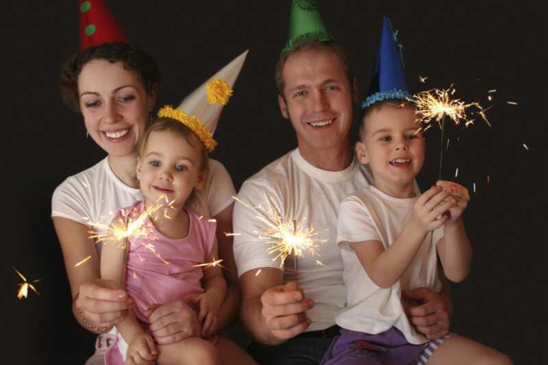 8 stvari koje roditelji zapravo rade u novoj godini