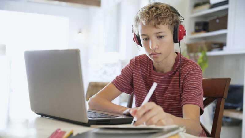 Tradicionālā skola nevis tavam bērnam? izbraukšana tiešsaistē homeschool iespējas