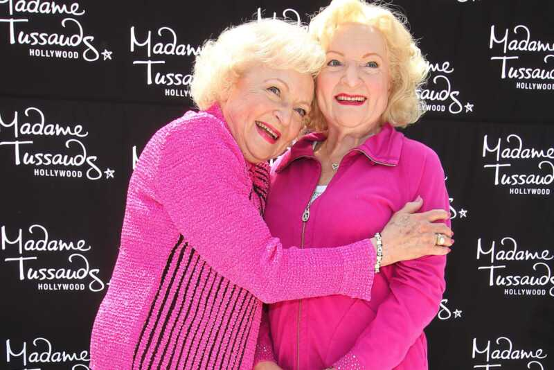 11 geriausių Betty white gifs internete
