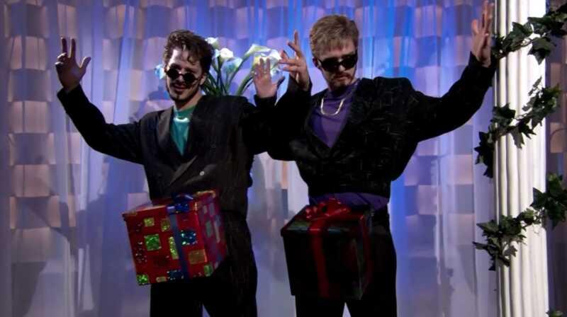 Geriausia šeštadienio naktis gyvena Kalėdos ir Hanukkah skits kada nors