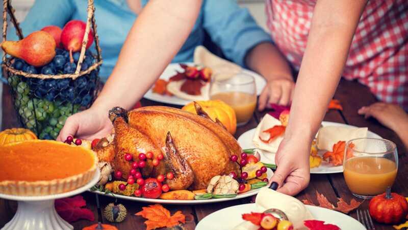 Kaip finansuoti padėkojo vakarienę, kai mokate studentų paskolas