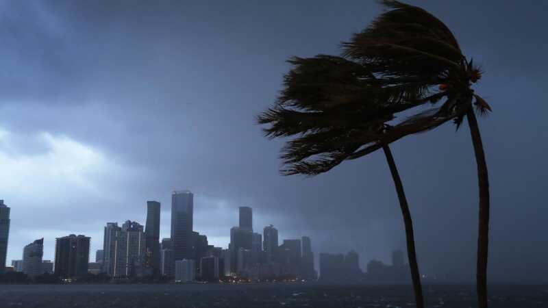 Miami mama rodno rađa za vrijeme uragane Irma i imena savršeno dijete