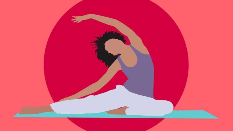 Slik navigerer du med yoga mens du har din periode