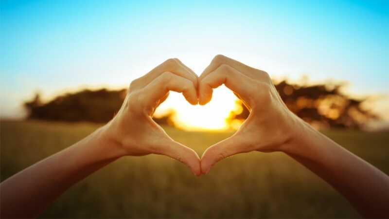 5 različitih načina na koji ljudi daju i primaju ljubav