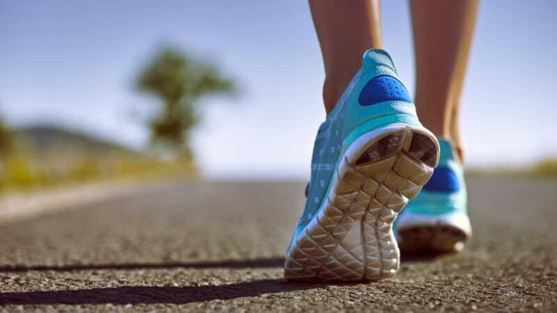 7 beste løpesko for høybuer - føttene dine vil takke deg