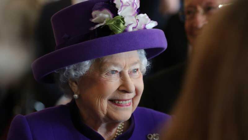 Karaliene ir palīdzējusi atzīmēt vienu lielu uzdevumu pie karaļa kāzu kontrolsaraksta